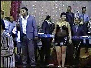 एक लड़की रोल नशे में, सेक्सी वसा हिंदी सेक्स वीडियो, और मदद नृत्य में डाल दिया उसके गले