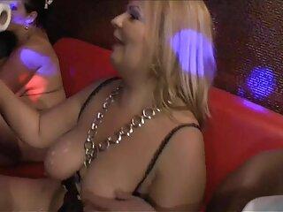 माता-पिता अपनी बेटियों की अदला-बदली करते हैं और उनके साथ शौकिया सेक्स करते हैं ।  dehati सेक्सी वीडियो bf